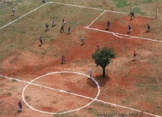 Campo di calcio improvvisato