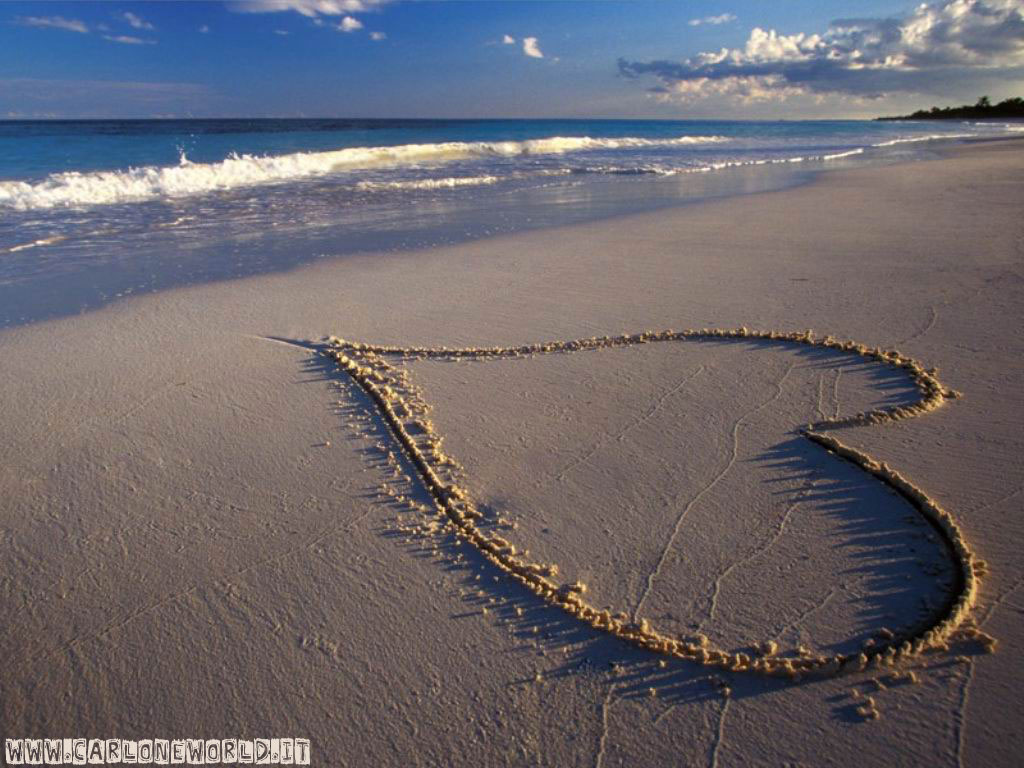 Spiaggia con bellissimo cuore